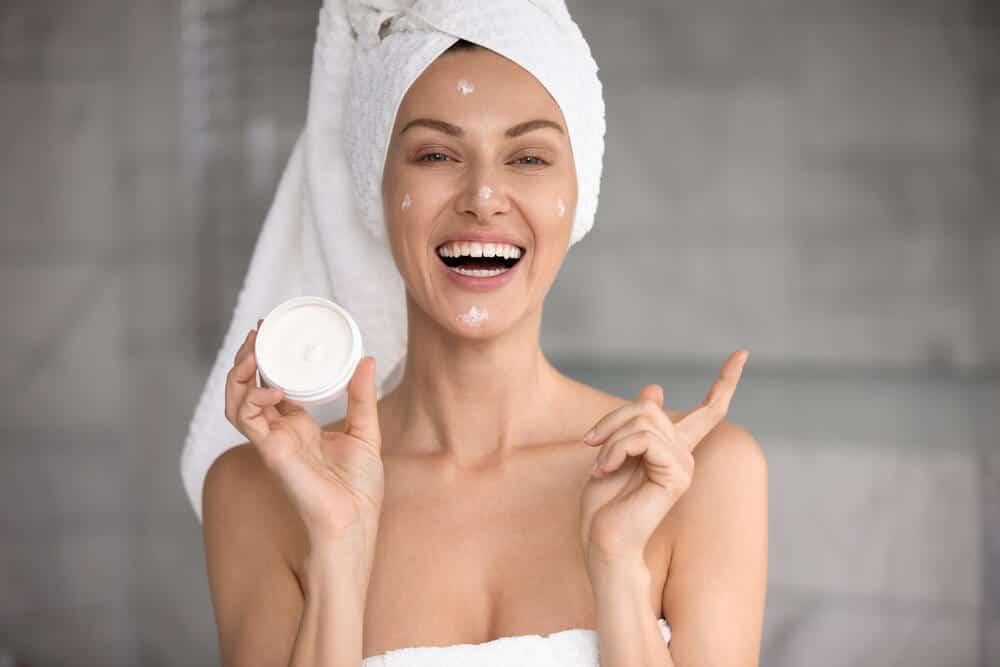 À partir de quel âge faut-il utiliser des soins cosmétiques anti-âge ?